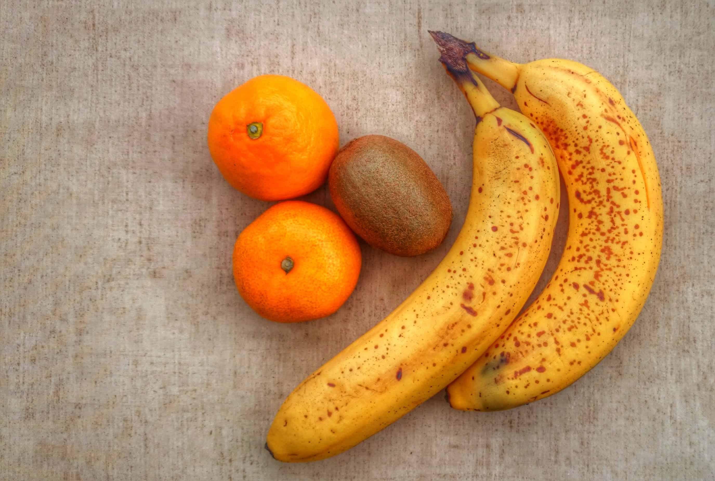 Sweet-Enough Vegan Banana, Orange, Kiwi & Oat Smoothie for Two Recipe