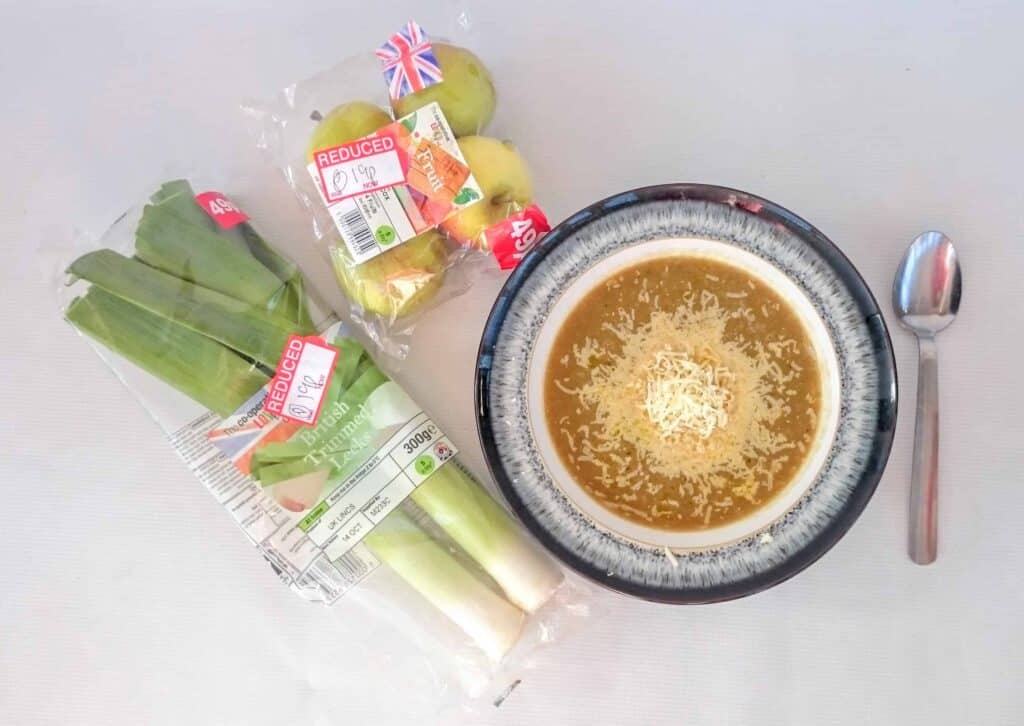 Slimming World Cheap & Delicious Recipe: Leek, Apple & Cheddar Soup Approx 12p Per Portion
