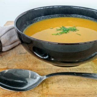 Slimming World Syn Free Pumpkin, Broccoli & Chilli Soup Maker Recipe - Serves 4