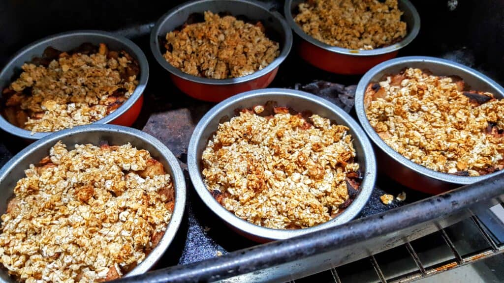 Slimming World 3.5 Syn Oat Apple Crumble Recipe - Serves 6