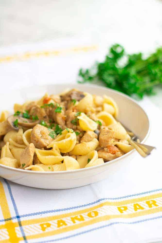 An easy and delicious low syn Slimming World Honey Mustard and Chicken Pasta