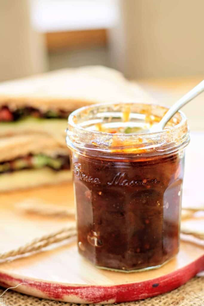 Sweet & delicious apple chutney recipe using eating apples