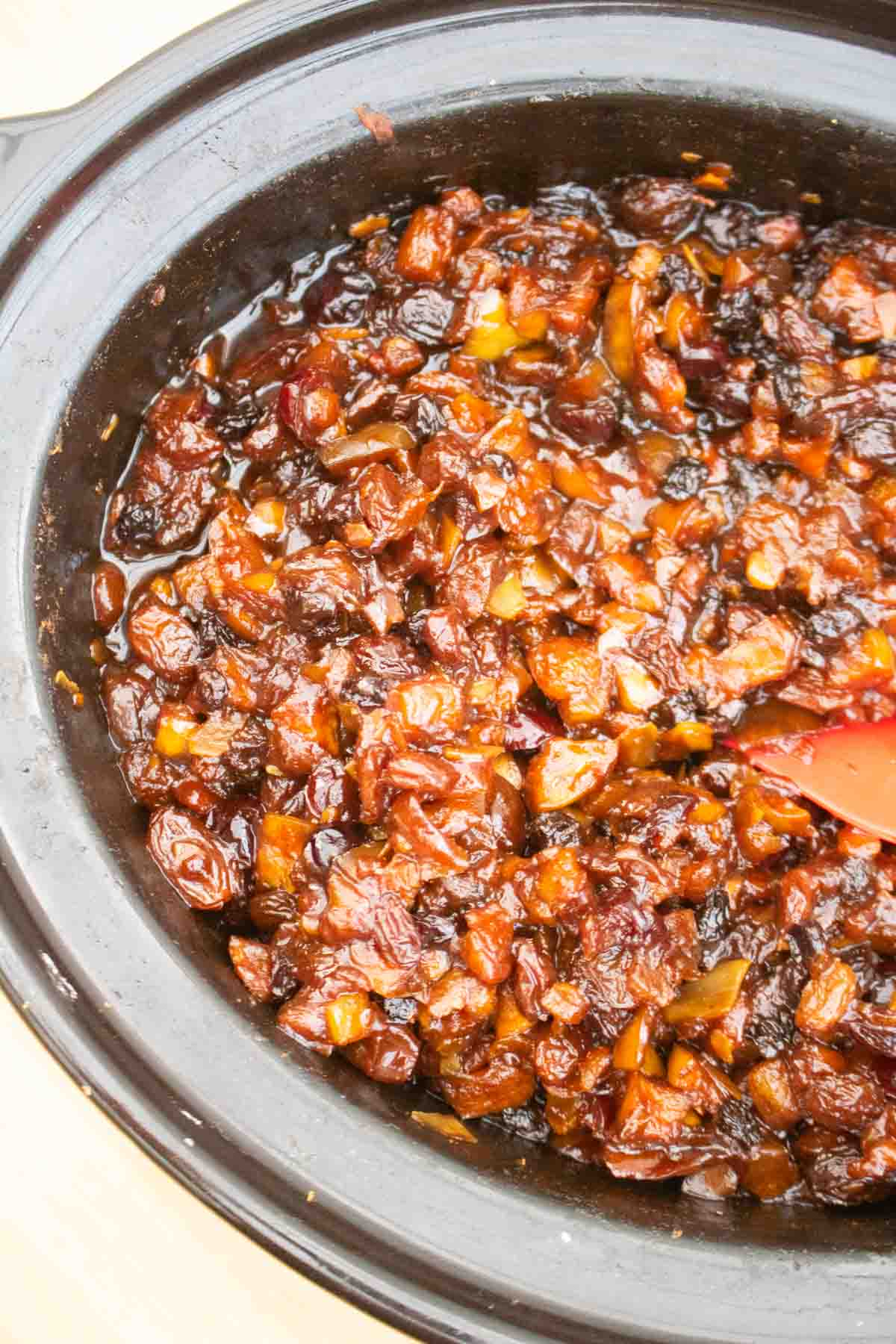 Slow Cooker Mincemeat Easy Christmas Recipe Tastefully Vikkie